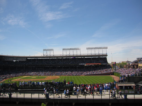 Cubs owner buys 3 Wrigley rooftops - Chicago Tribune