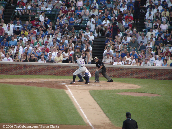 Eric Byrnes bats against the Cubs