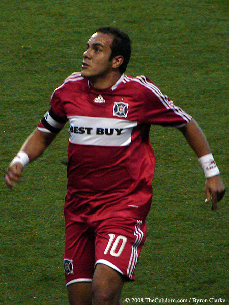 Cuauhtemoc Blanco positions himself for a header